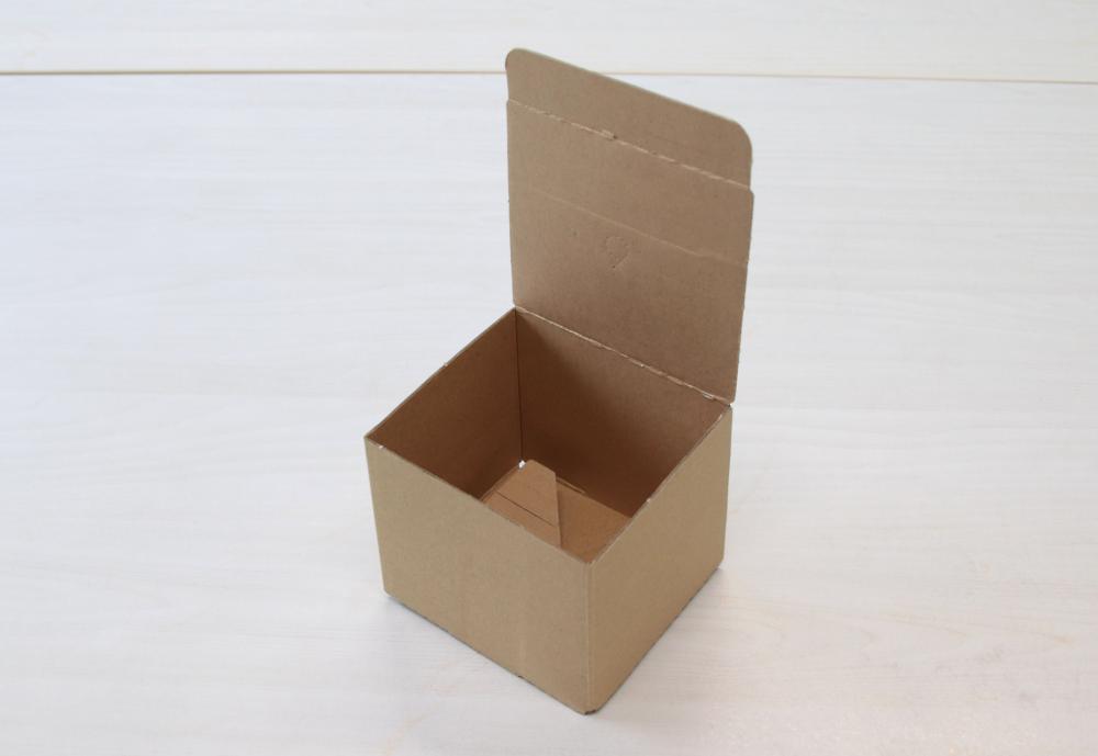 ワンタッチ底の梱包箱